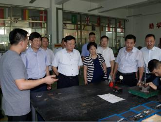 扬州市人社局领导来我院参观考察